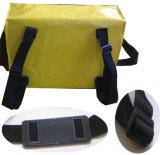 Cor amarela com o saco preto do mensageiro da cinta de ombro