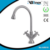 Commercial choisir le robinet simple de salle de bains de trou de traitement