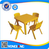 Plastic variopinto Tables e Chairs Price Indoor Playground School Toys (YL6206)