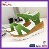 Sommer-Schuhe der Grün bereiften Veloursleder-Frauen