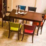 Nuevo conjunto de madera barato diseñado y que empila del vector y de la silla