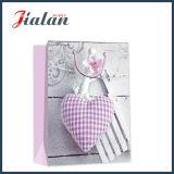 Glatter lamellierter Ivory Papier-Liebes-Inner-Einkaufen-Geschenk-Papierbeutel