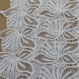 Tessuto bianco del ricamo del poliestere di colore per la tessile o i vestiti