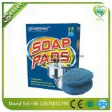 Waschmaschine sauber mit Stahlwolle-gefüllter Auflage