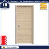 Porta de madeira da madeira do banheiro do PVC da casa interior