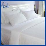 白いホテルのサテン、セットされる100%年の綿の寝具(QHD00911)
