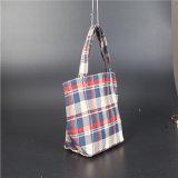 印刷される方法は柔らかいループハンドルが付いているショッピング・バッグを運ぶ