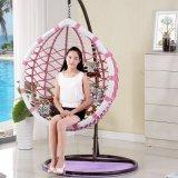 良質のバルコニーの屋外のハングの椅子の編むテラスの振動柳細工の家具D017