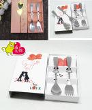 La fourche de coeur de cadeau de mariage et la vaisselle réglée de cuillère personnalisent