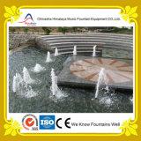 Petite fontaine d'eau décorative avec les gicleurs sous-marins