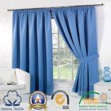 Sujetar con cinta adhesiva la cortina teñida llana superior del apagón del poliester