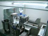 Jeringuilla plástica del vacío que prellena que llena tapando la máquina