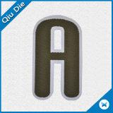 أبجديّة حرف شكل علامة تجاريّة يحاك علامة مميّزة/يحاك بناء لأنّ لباس