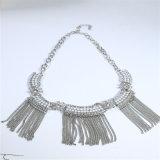 Комплект ювелирных изделий ожерелья браслета серьги Tassel новых шариков смолаы конструкции акриловых стальной цепной