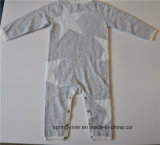 Le collet rond a modelé la salopette de chandail de Knit de bébés