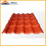 Le mattonelle di tetto lucide della grande onda con asa che ricopre le mattonelle della resina sintetica