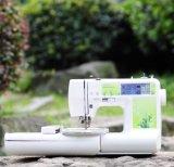 Компьютеризированные малые вышивка и швейная машина