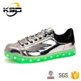 De speciale Schoenen van de Vrije tijd van de Manier van het Schoeisel van het Ontwerp met het Laden van de Kabel USB