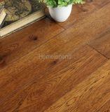 ヒッコリーによって設計される木製のフロアーリングか堅材のフロアーリング