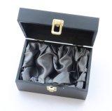 Rectángulo de regalo de empaquetado de madera del oro del negro de encargo de la insignia con la alineación adentro