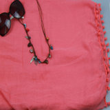 scialle rosso 100%Polyester con l'accessorio di modo della nappa per la sciarpa delle ragazze
