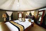 ホテルの屋外のイベントのテントは玄関ひさしのおおいのテント12を使用した