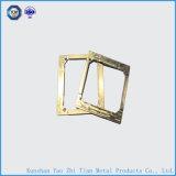 黄銅が付いているCNCによって機械で造られる部分は金属部分を分ける