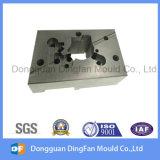 挿入型のためのカスタマイズされた高精度の自動車CNCの機械化の部品