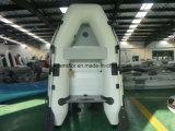 Piccola barca gonfiabile di gomma (230cm)