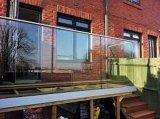 カスタマイズされたアルミニウムUチャンネルのガラス柵デザイン
