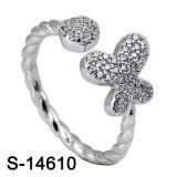 A borboleta da prata esterlina da jóia da forma voa o anel da CZ