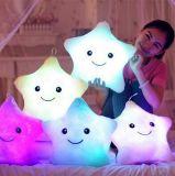 LEDの白熱詰められたプラシ天の枕クッション