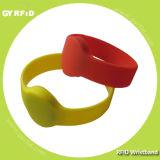 ISO14443A NFC MIFARE 1k, braccialetto Ultralight della fascia di manopola del silicone 4k Ntag213