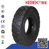 Battement vendant le pneu industriel solide de chariot élévateur