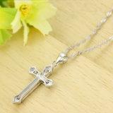 カップルの吊り下げ式のネックレスの約束の宝石類のための黒い十字の吊り下げ式の恋人925の純銀製の宝石類