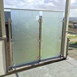 젖빛 유리 프라이버시 스크린은 #Balcony #Handrail가 #Residential #Home #House #Geelong #Highton를 #Privacyscreen #Balustrade #Stainlesssteel #Steel #Glass를 #Screen