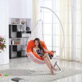 庭のハングの卵の椅子の屋外の藤の振動/柳細工の振動家具(D018)