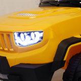 Automobile elettrica dei capretti con gli effetti e gli indicatori luminosi di musica
