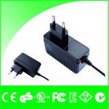 EU Gleichstrom-12V 1A stecken Adapter-Stromversorgung Wechselstrom-100-240V ein
