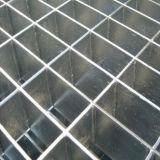 La inmersión caliente galvanizó la reja de acero bloqueada prensa para la cubierta del foso