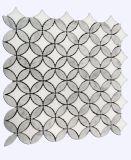 中国の製造者のカラーラの白い大理石の灰色のヒマワリのモザイク・タイル
