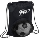 La pallacanestro di gioco del calcio mette in mostra il sacchetto dello zaino del Drawstring della sfera con la casella della maglia