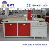 Estirador plástico de la producción de la tarjeta de la espuma de la corteza de WPC que hace la línea de la máquina