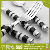 Couverts en plastique d'acier inoxydable de traitement de configuration de Stria pour la promotion