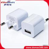 USBの充電器の携帯電話EUはiPhone 6sのための充電器を差し込む