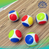 Fileur magique de personne remuante de doigt de cube en football roulement à billes de six faces