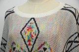 Tricots occasionnels de poncho de femmes avec le bord de frange