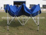 يفرقع يطوي ألومنيوم فوق ظلة خيمة