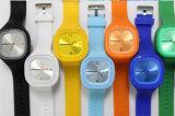 Orologio variopinto di quarzo analogico del gel della gelatina della fascia del silicone di Ginevra di modo unisex popolare di modo Yxl-978