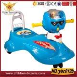 Blauwe Rode Gele Kleurrijk Allerlei De Auto van de Schommeling van de Baby
